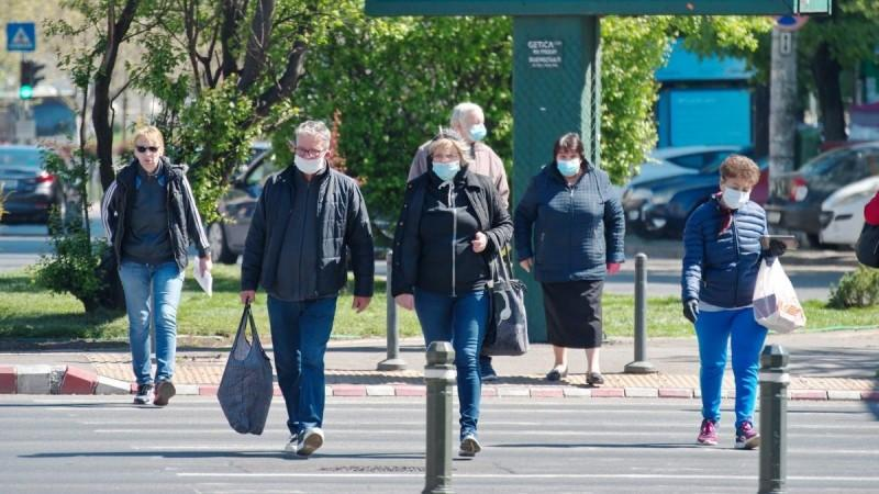 Covid-19 times require Americans to wear mask at all times