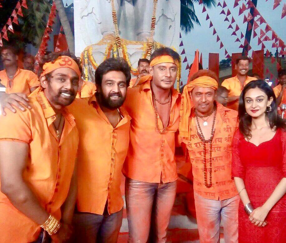 Chiranjeevi Sarja with Dhruva, Arjun and Darshan