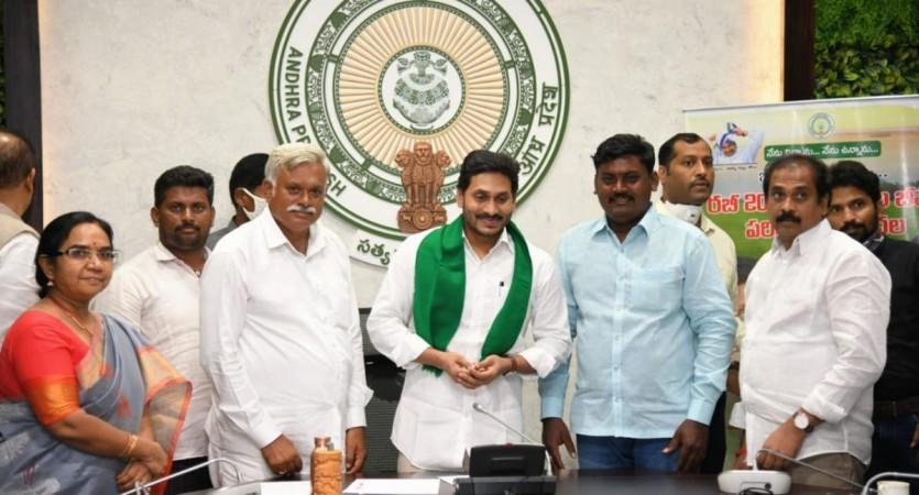 YS Jagan Mohan Reddy releases crop insurance claims of Rsv596.4 crore to 5.94 lakh farmers