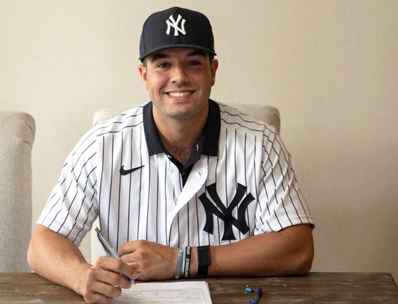 Austin Wells is in the fold: 'Officially a Yankee!'
