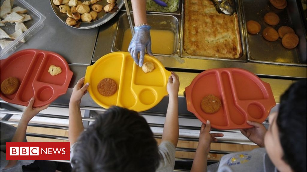 Coronavirus: Pressure mounts over school meal vouchers in summer