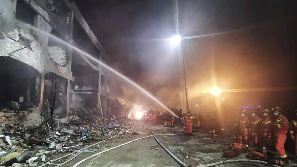 China tanker blast: 18 killed, 189 injured as oil tanker explodes on highway in Zhejiang