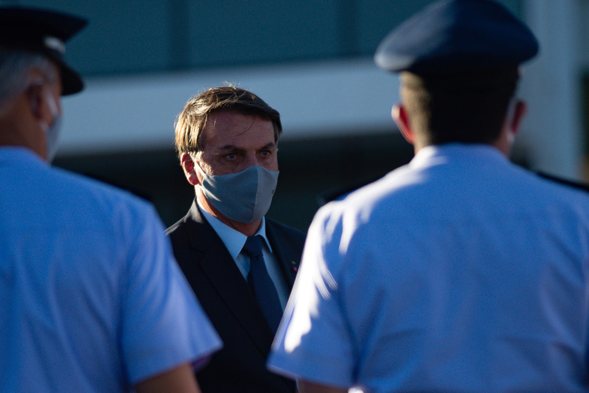 Judge regulations Brazil's president has 'constitutional obligation' to dress in confront mask