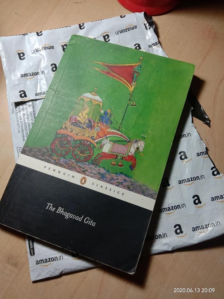 Kolkata gentleman orders 'Communist Manifesto', Amazon delivers abridged model of Bhagavad Gita
