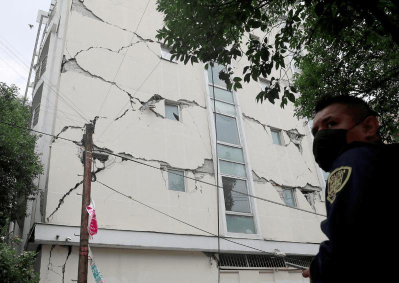 Mexico earthquake: Powerful 7.7 M quake kills 6, tsunami inform issued