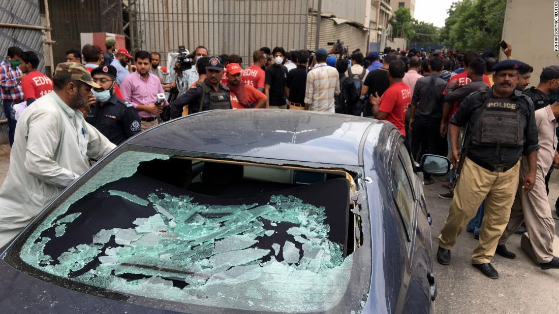 Pakistan Inventory Exchange: Mulitple lifeless following gunmen storm PSX in Karachi