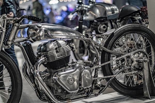 Royal Enfield 650 Custom bicycle Sosa Metalworks is operate of artwork