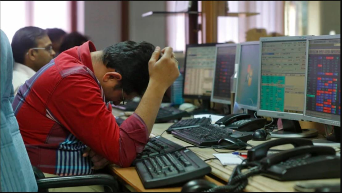 Sensex finishes 329 points increased to reclaim 35k, IT shares surge