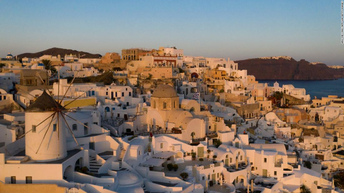 What happened on Santorini when the tourism 'machine' stopped