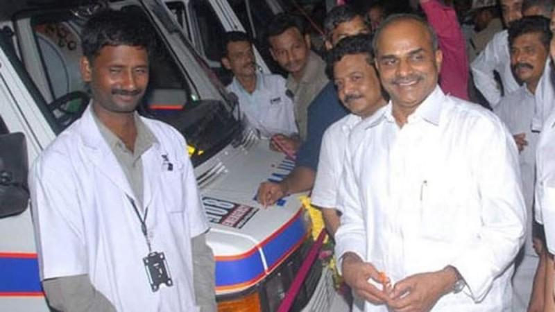 YS Rajasekhara Reddy launching ambulences