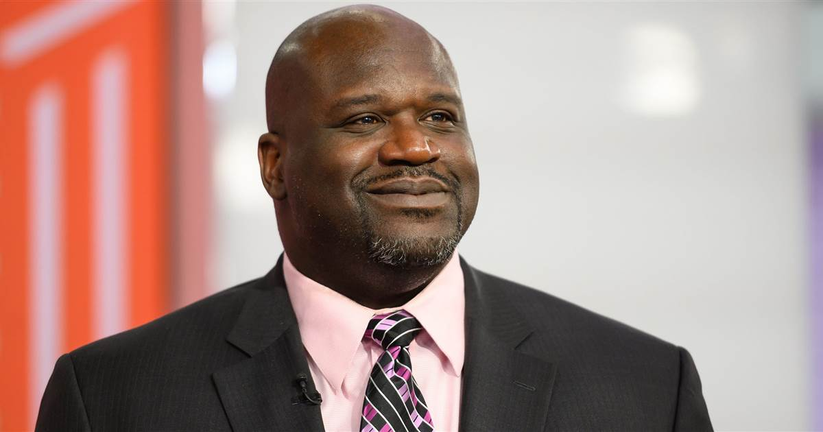 Shaquille O'Neal helps stranded driver on Florida highway — see it