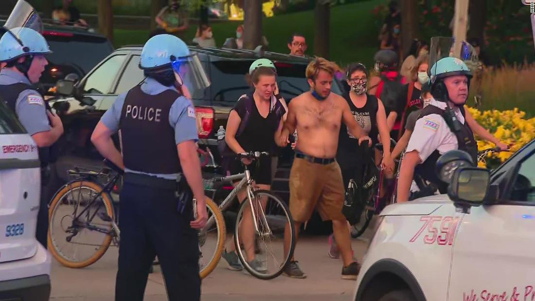 18 police officers injured in Chicago protest