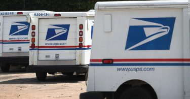 2020 election: USPS workers sound alarm about new policies that may affect mail in voting, Washington Post reports
