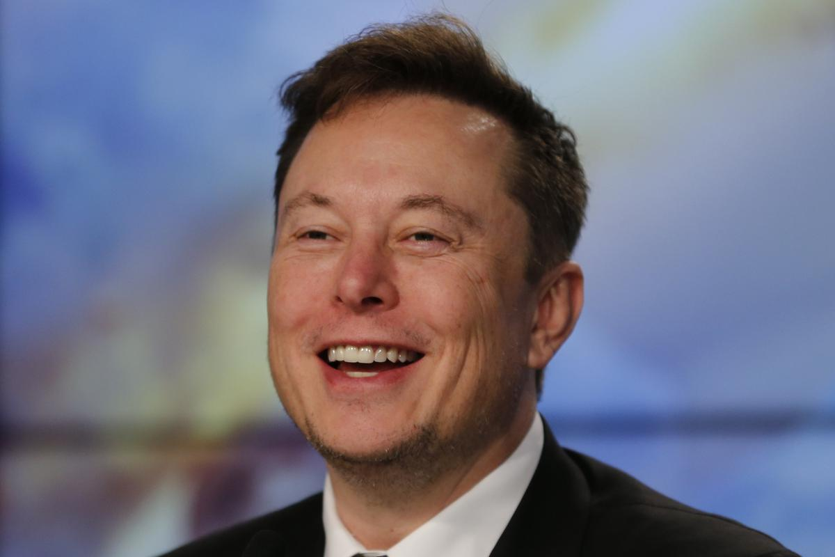 Billionaire Musk's net worth zooms past Warren Buffett's - Bloomberg News