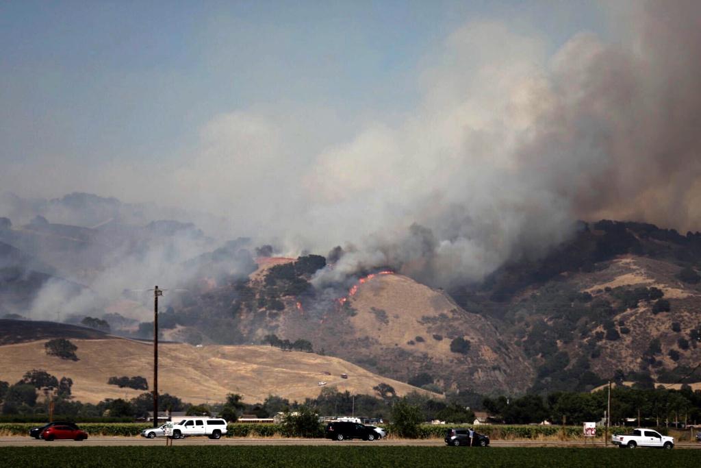 Crews Fire spurs evacuations north of Gilroy