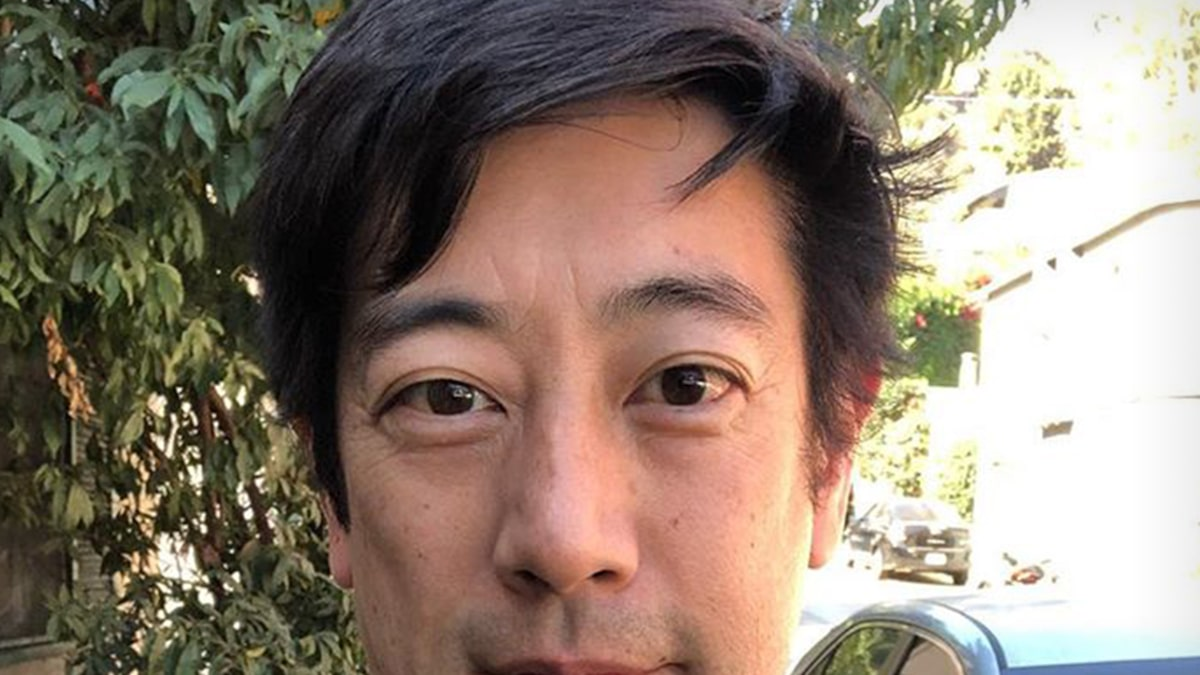 'MythBusters' Host Grant Imahara had Bad Headaches Before Fatal Brain Aneurysm