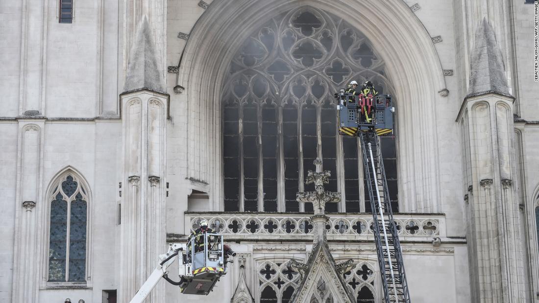 Nantes Cathedral blaze investigated as probable arson