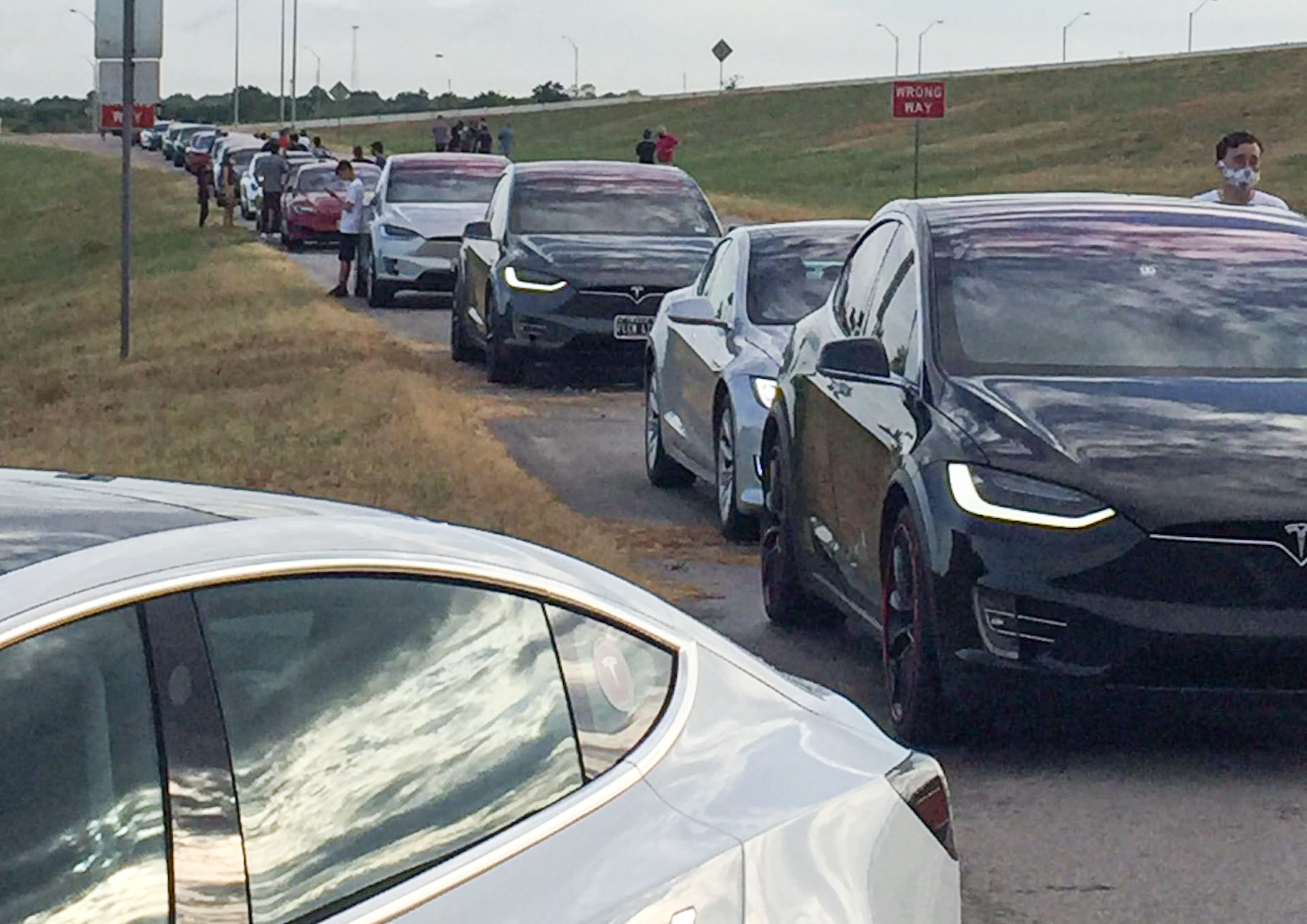 Tesla owners celebrate Texas victory with parade to Gigafactory site