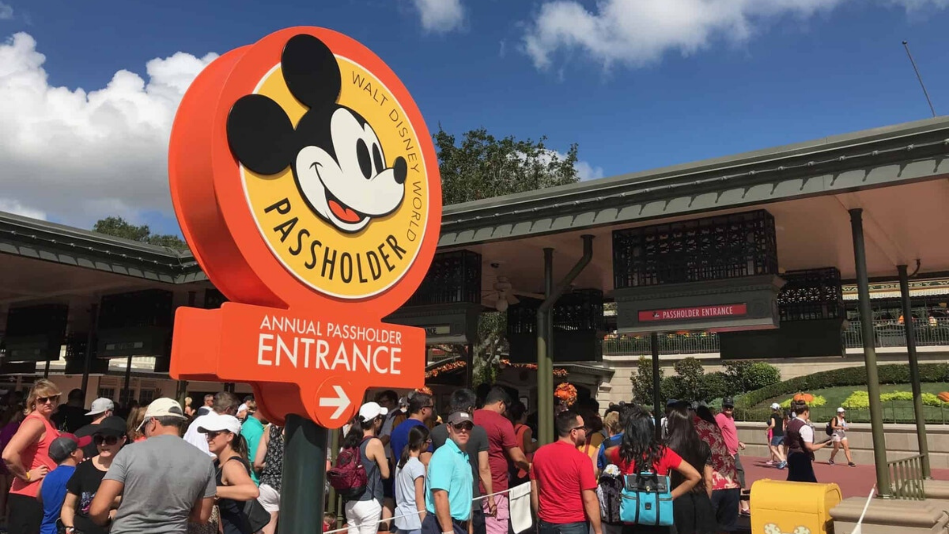 Walt Disney World Releases Official Statement Regarding Monthly Annual Passholder Payment Errors