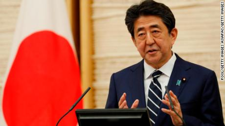 'Do or die' mentality brings Japanese PM Shinzo Abe to the brink