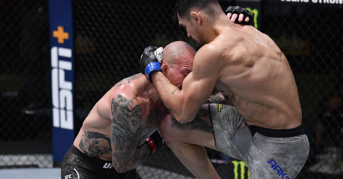 Aleksandar Rakic dismantles Anthony Smith over three rounds to win UFC Vegas 8 main event