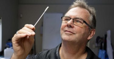 First Australian-made COVID swabs a promising sign for local manufacturers