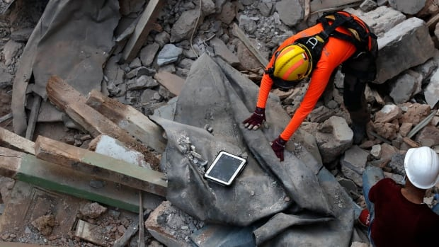 The Beirut search team resumes efforts at wreckage after discovering a possible heartbeat