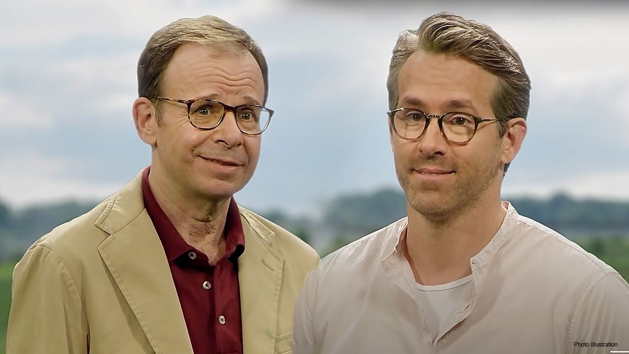 Ryan Reynolds brings back 90s Hollywood icon Rick Moranis for mobile advert