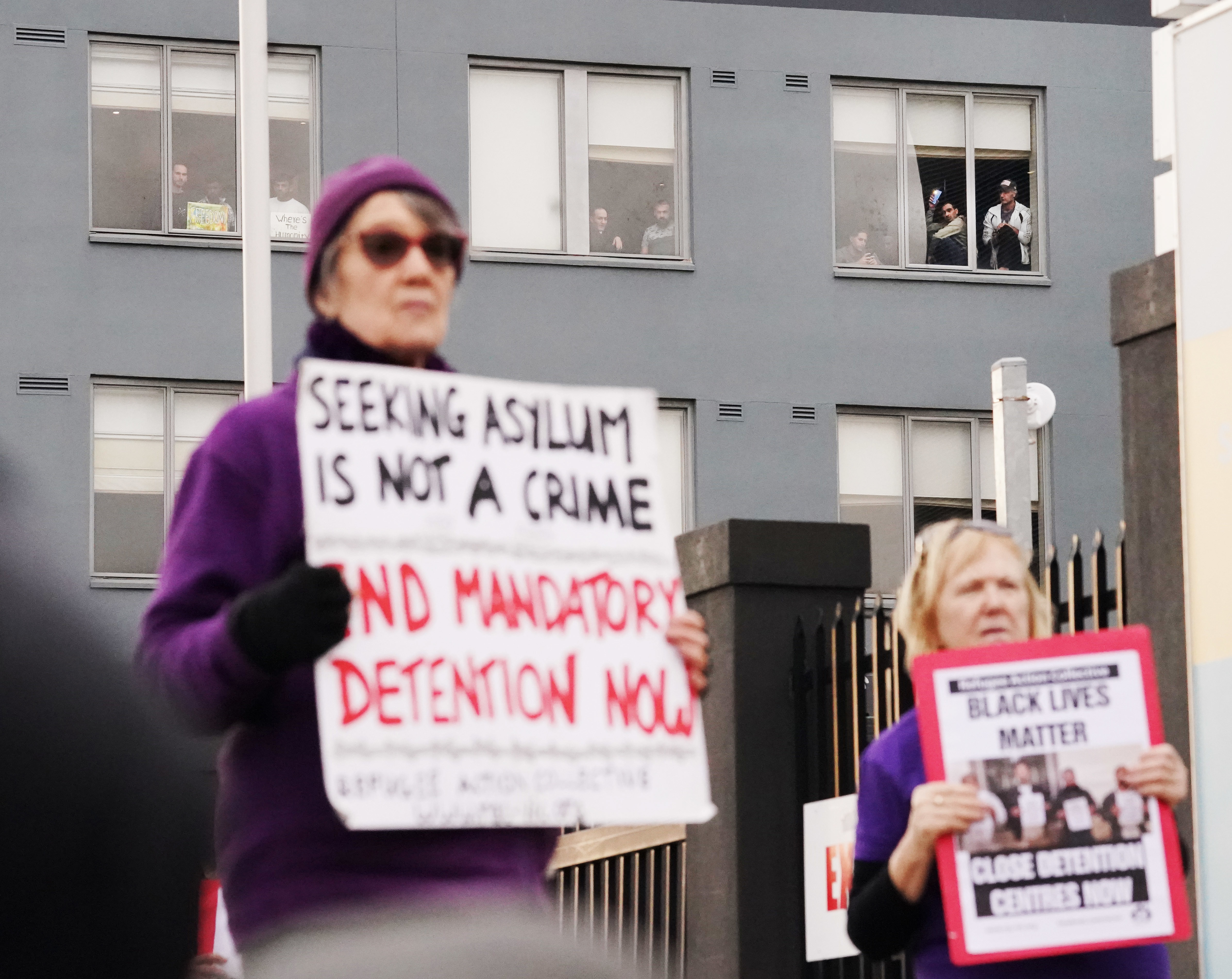Human rights advocates have called for more immigration detainees to be placed in community detention due to the coronavirus crisis.