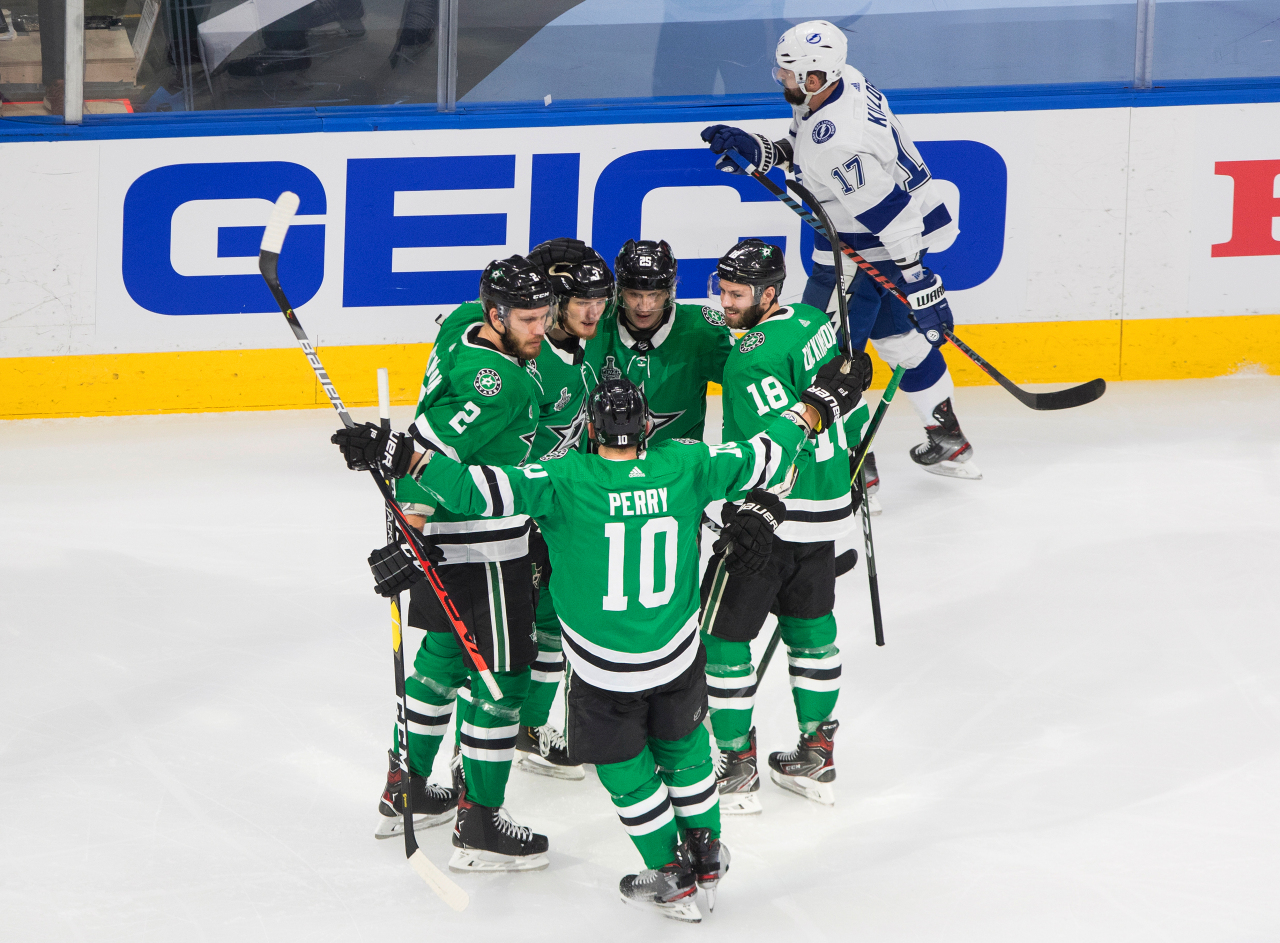 Gourde Lightning pulls to a 3-3 draw with Stars in Game 4 – KGET 17