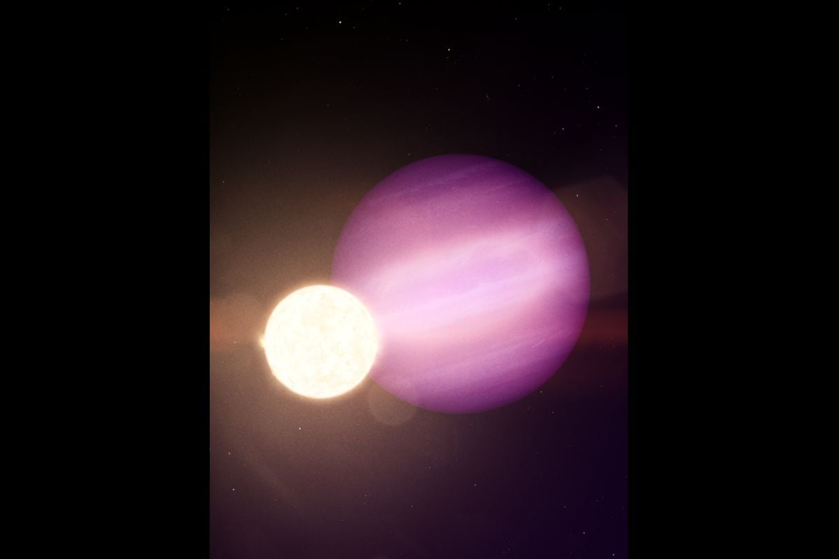 Ultimate Survivor: Massive Planet Spotted Closely Orbiting White Dwarf