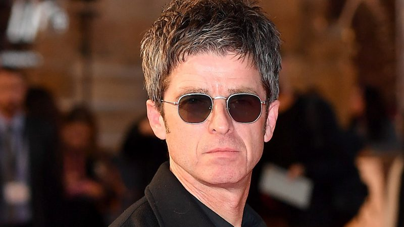 """Jedward mocks Noel Gallagher for """"ignorant"""" anti-mask comments with Wonderwall remix"""