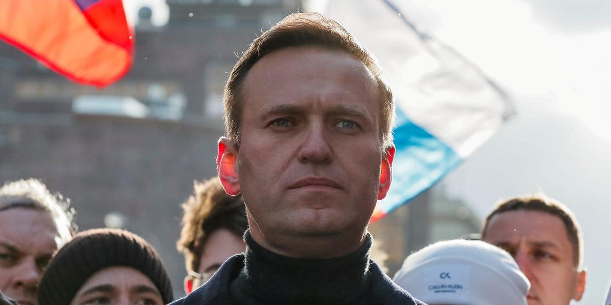 Navalny mocks Putin for suggesting he has poisoned himself