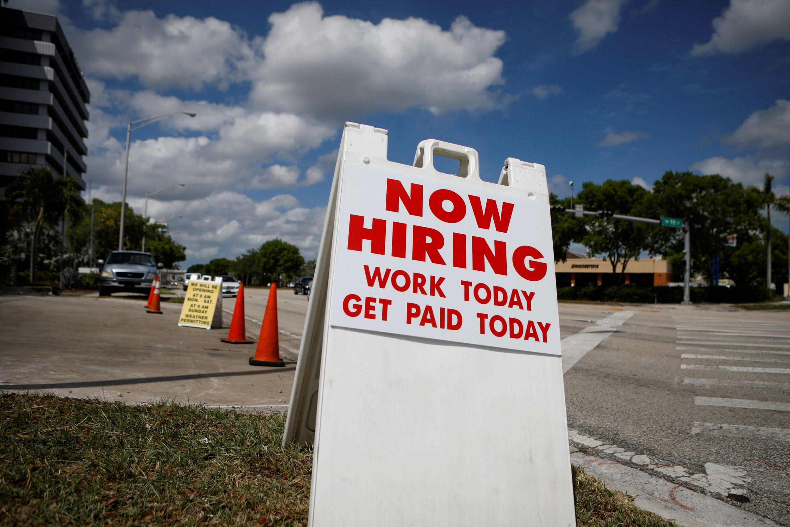 U.S. private sector adds fewer-than-expected jobs in August