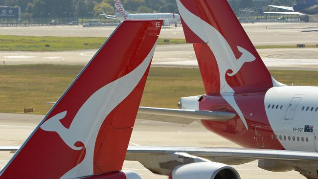 Qantas chief, Richard Goyder, asked the recessive attendants to `` stay there. ''