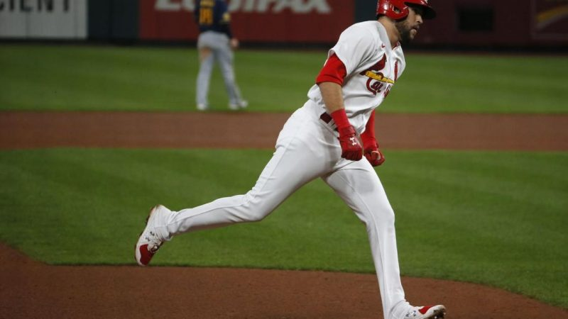 Second-half Homer Carlson gives the Cardinals a 3-1 lead over Brewers Cardinal win