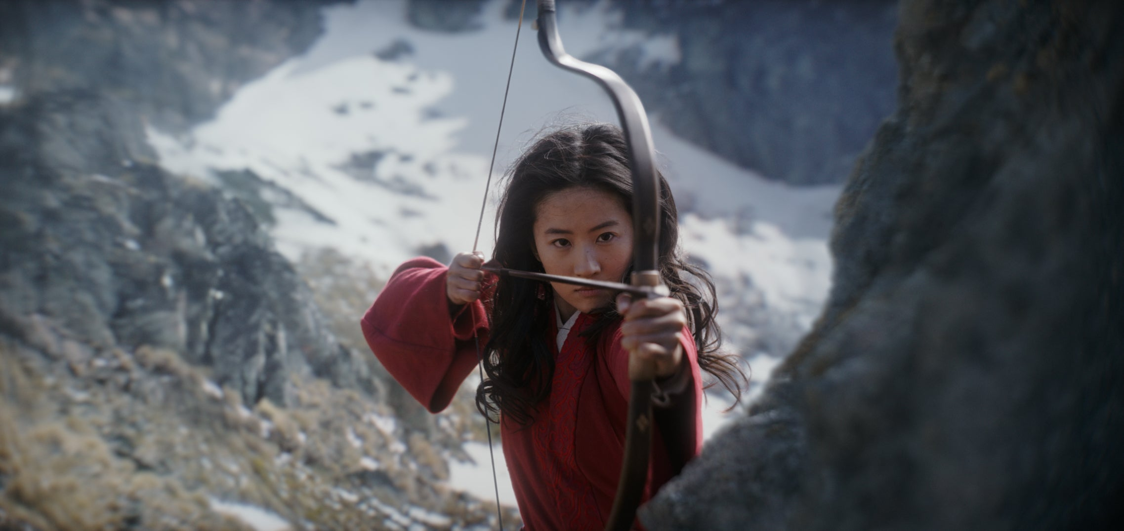 The Dow rises 200 points as Disney's 'Mulan' gets into trouble, and the Boeing 787 finds another flaw in the Dreamliner