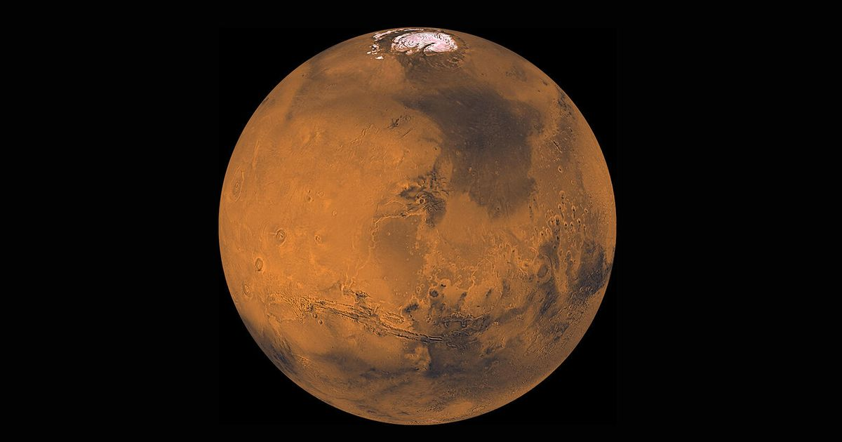 How do you see Mars approaching Earth on Tuesday night
