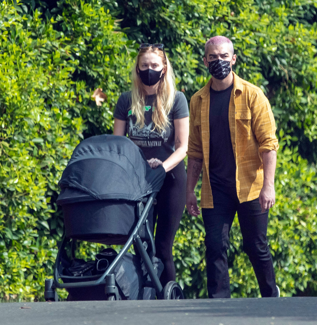 PREMIUM EXCLUSIVE: Sophie Turner and Joe Jonas photographed abroad for the first time with their newborn baby in Los Angeles