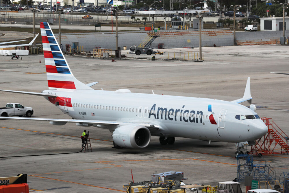 An American 737 MAX flies from Roswell to Tulsa