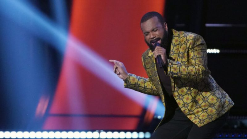 Detroit assembly line worker pulls John Legend out of his seat on The Voice