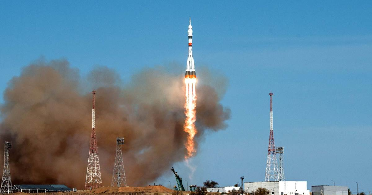 A Soyuz rocket blasts off to the International Space Station on the last historic US-Russian flight