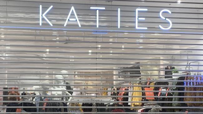 Mosaic brands close 250 stores