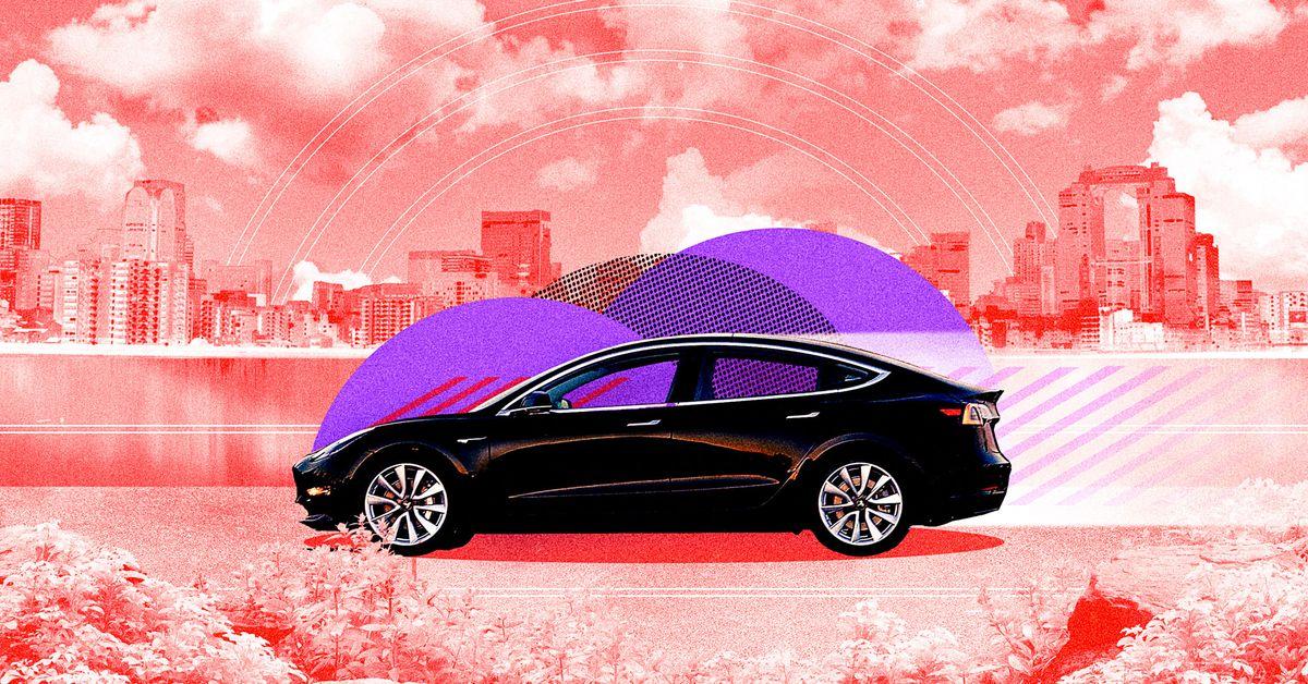 "Tesla's ""fully autonomous"" pilot test caught the attention of federal safety regulators"
