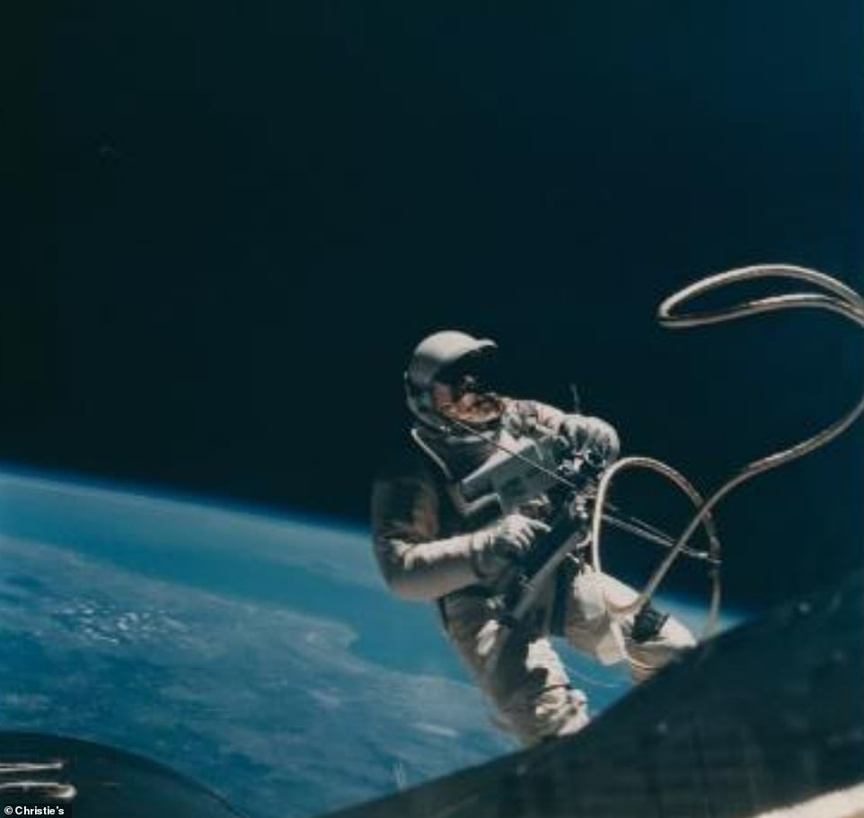 First spacewalk in the United States, Eva Ed White over Texas, June 3-7, 1965