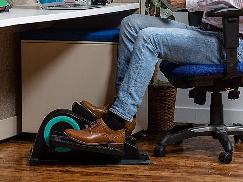 Amazon's Black Friday sale on the Cubii JR1 elliptical under-desk saves you roughly $ 65