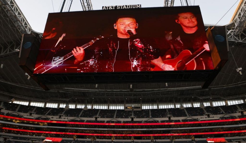 Kane Brown presents a pre-recorded show at the first half of Thanksgiving in Dallas