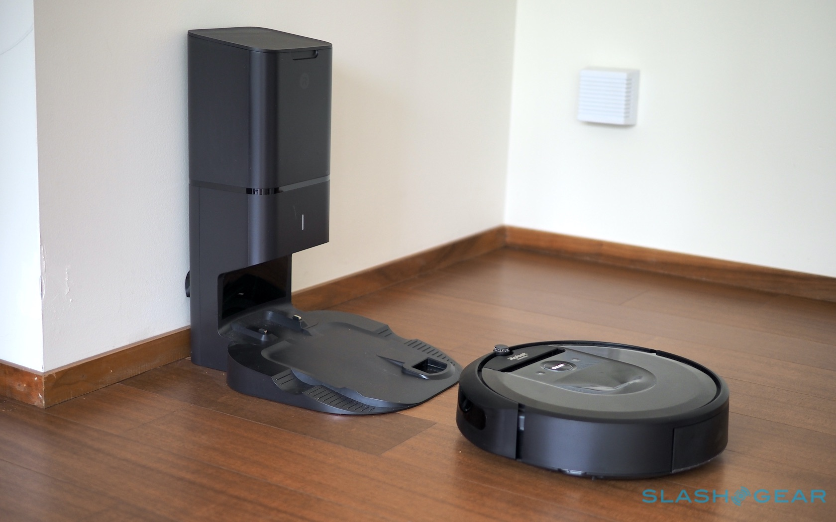 """iRobot Warns that Roomba's Auto Emptying Dock May """"Pose a Danger"""""""