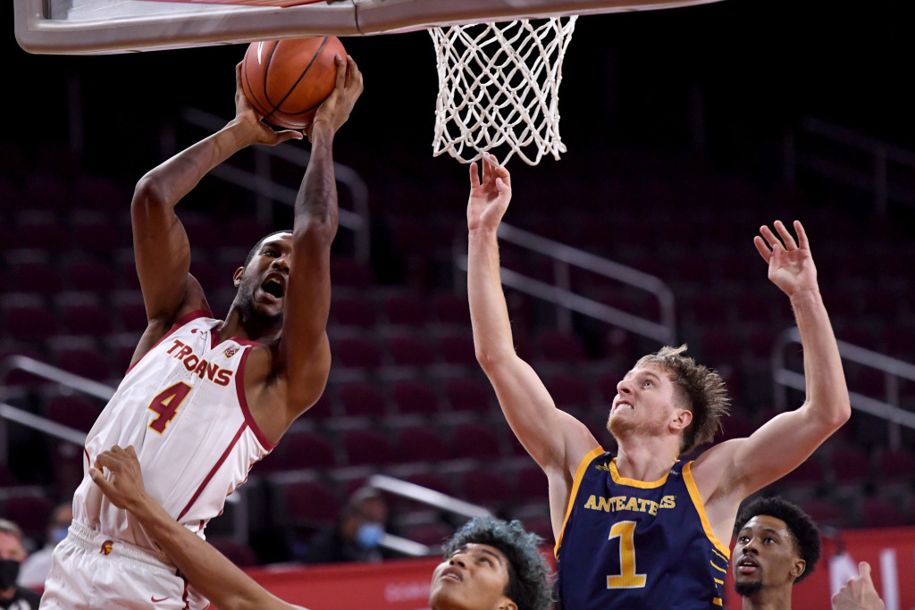 USC Basketball recovers with beating University of California, Irvine - Orange County Record