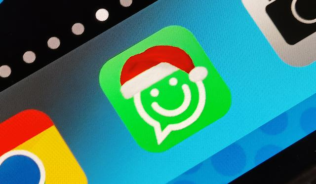 In this way, you can change the WhatsApp logo and put the birthday hat on it.  (Image: Mag)